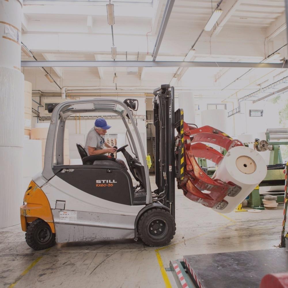 Tárolás, logisztika, fuvarszervezés